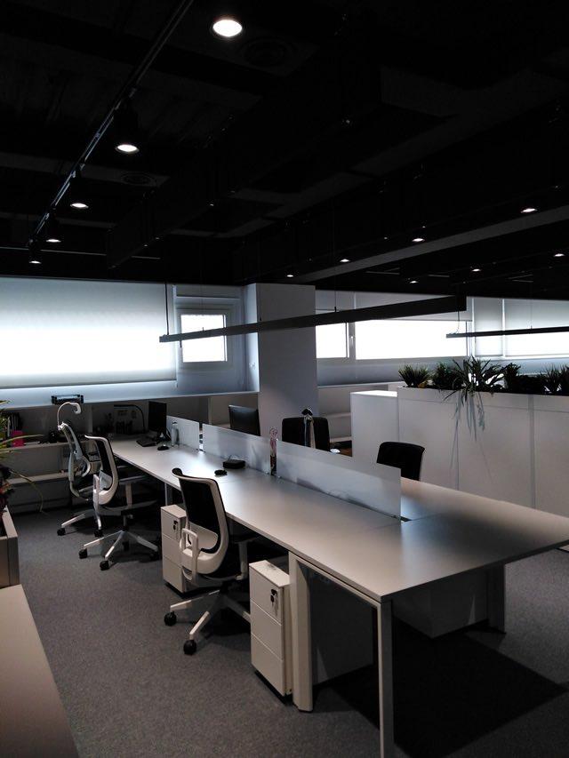 mesa instalaciones oficina
