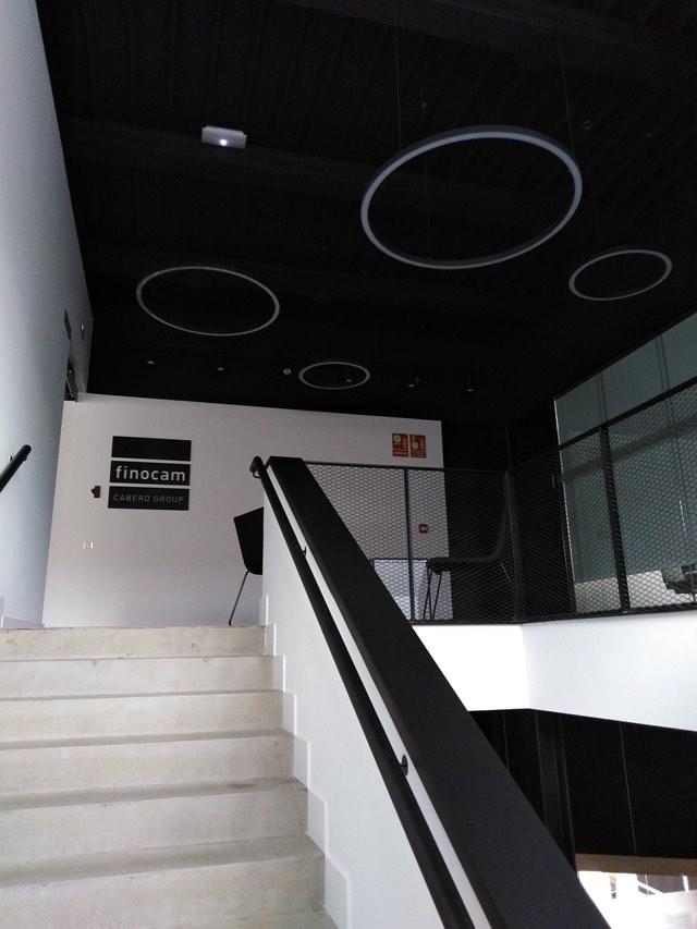 luz instalaciones oficina