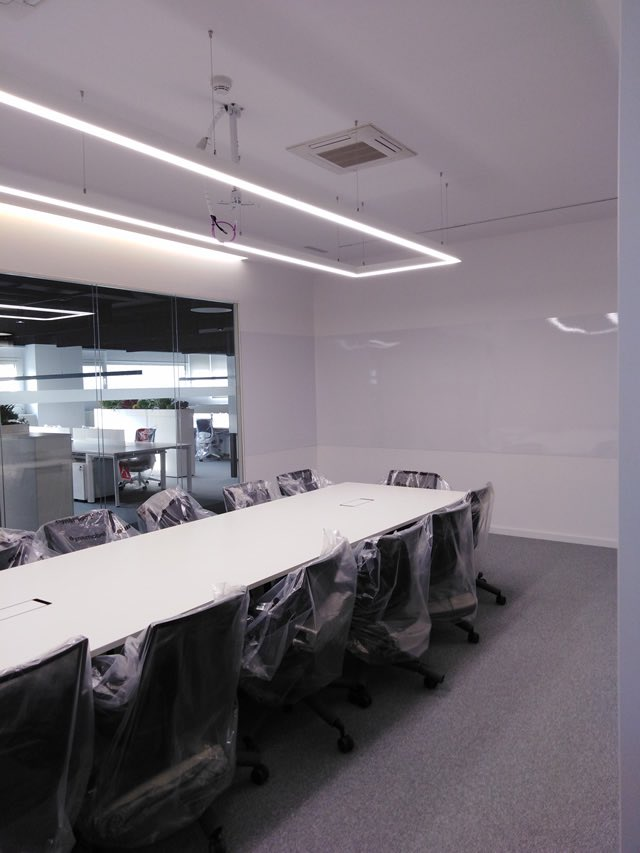 sala instalaciones oficina