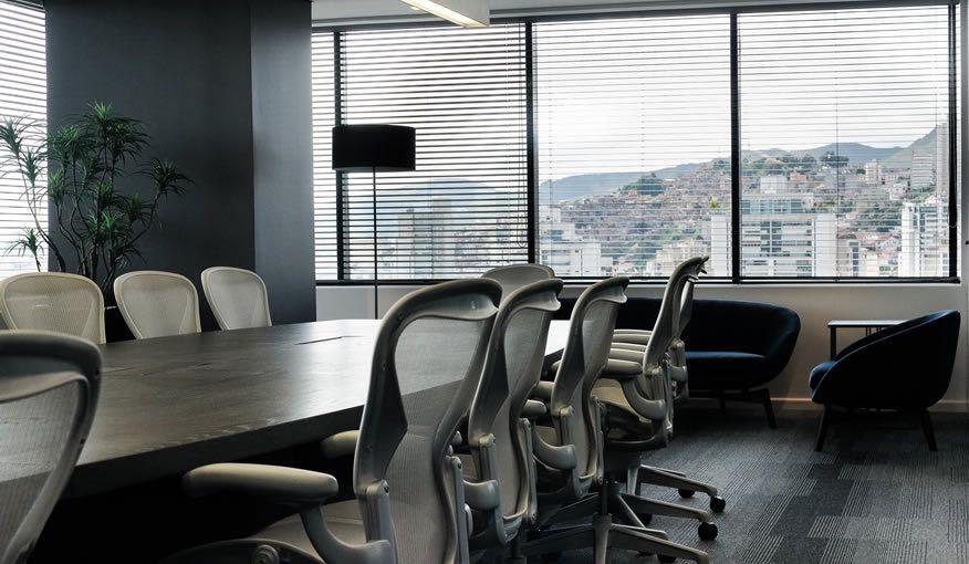 luz ergonómica oficina